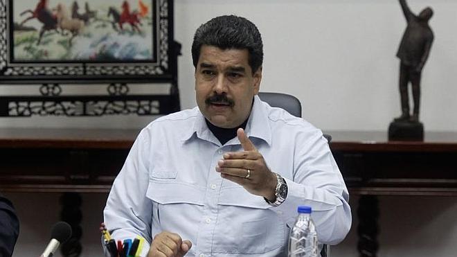 Maduro cierra otro paso fronterizo con Colombia y aumenta la presencia militar
