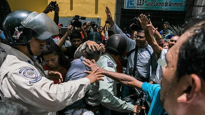 Nuevos choques sacuden Caracas a la espera de la sentencia del opositor Leopoldo López