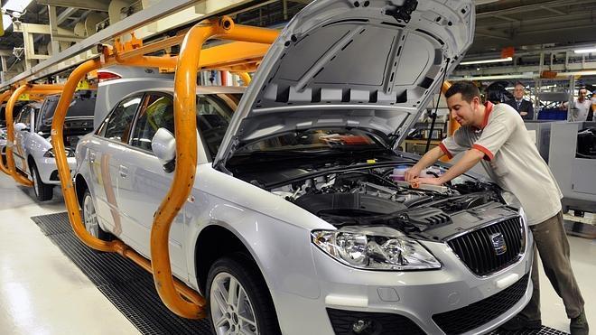 Seat admite que usó motores Volkswagen con problemas de emisiones