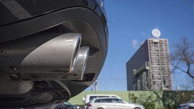 Bruselas urge a los países de la UE a modificar las pruebas para medir las emisiones de los vehículos