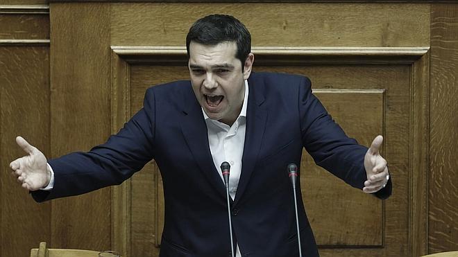 Grecia aprueba unos Presupuestos basados en el ahorro y más recortes