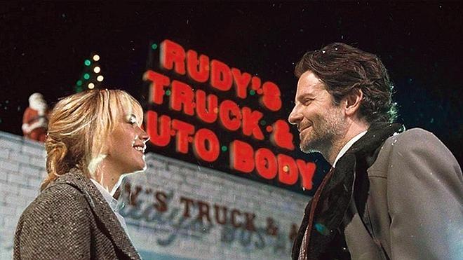 Jennifer Lawrence y Bradley Cooper, unidos de nuevo por una fregona