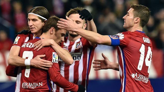 El Atlético castiga a una Real incapaz