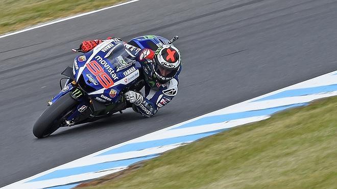 Lorenzo sigue marcando el paso