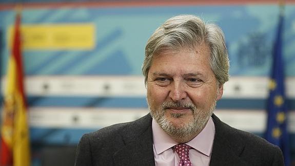 [Gobierno] Íñigo Méndez de Vigo acude a la final del Europeo de Balonmano para apoyar a los Hispanos Mendez-vigo--575x323