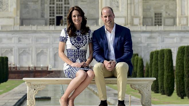 Los duques de Cambridge visitan el Taj Mahal