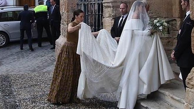 La hija del Duque de Wellington y Alejandro Santo Domingo se casan en Granada