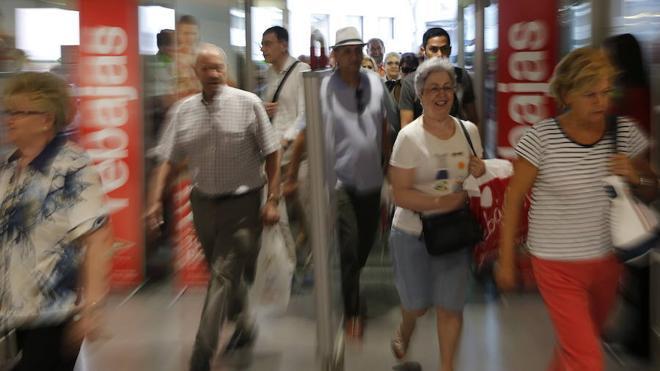 Las rebajas de verano crean 134.500 empleos