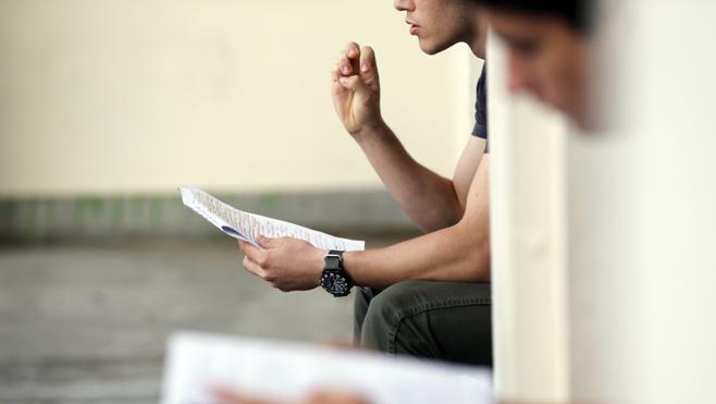 Cuatro de cada diez jóvenes con menos recursos abandona sus estudios antes de los 18