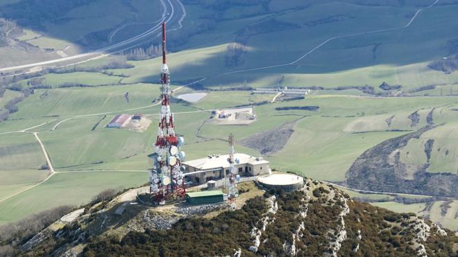 Cellnex aterriza en Reino Unido y Holanda con más de un millar de torres de telecomunicaciones