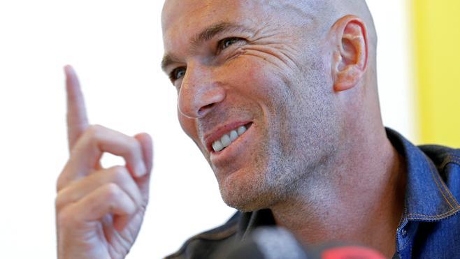Benzema «tiene ganas de volver» con la selección francesa, dice Zidane