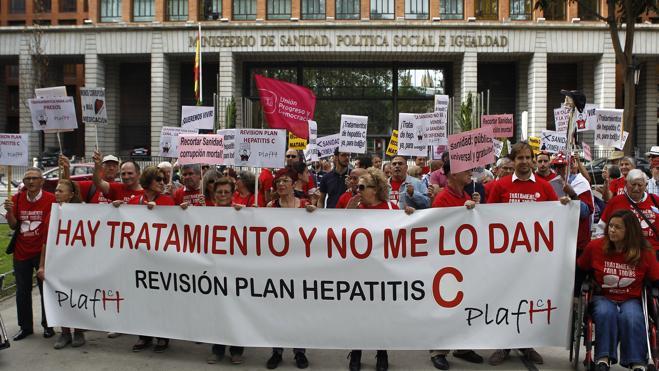 Los afectados por la hepatitis C piden una reunión con Sanidad para revisar el plan estratégico