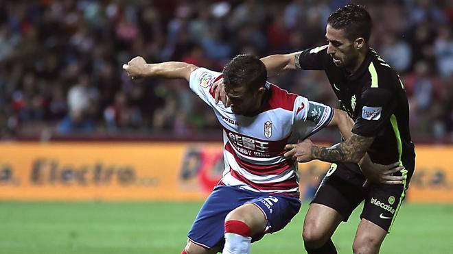 El Granada sigue sin ganar y el Sporting vuelve a sumar