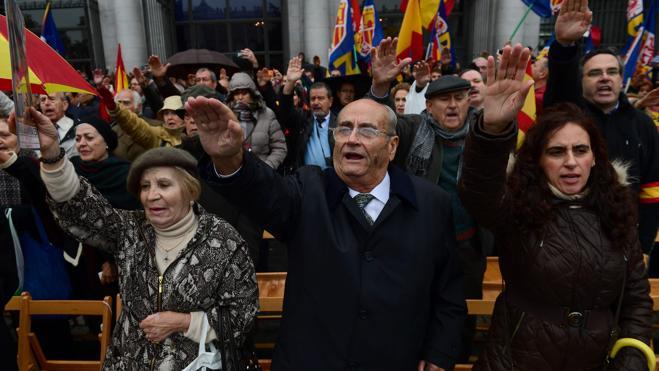 Unas 200 personas recuerdan a Franco en Madrid en el 41 aniversario del 20-N