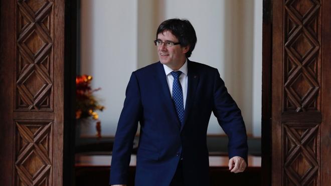 Puigdemont responde al Constitucional: «La hoja de ruta se mantiene. Votaremos»