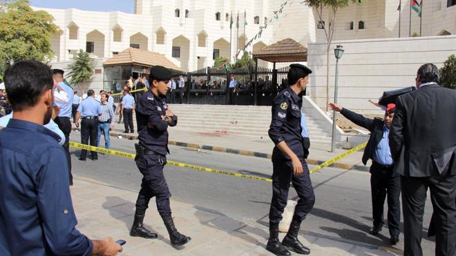 Siete muertos, incluida una turista canadiense, durante un tiroteo en Jordania