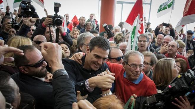 Sánchez anuncia su candidatura a las primarias para «virar a la izquierda al PSOE»
