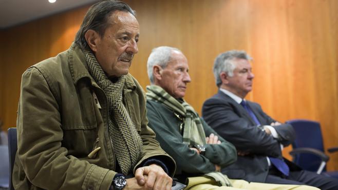Suspenden el juicio contra Roca y Julián Muñoz por la incomparecencia de un abogado