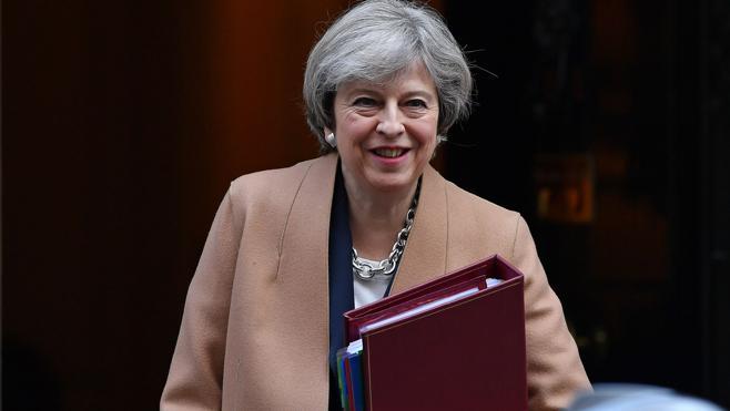 May dice que «no es buen momento» para un referéndum de independencia en Escocia