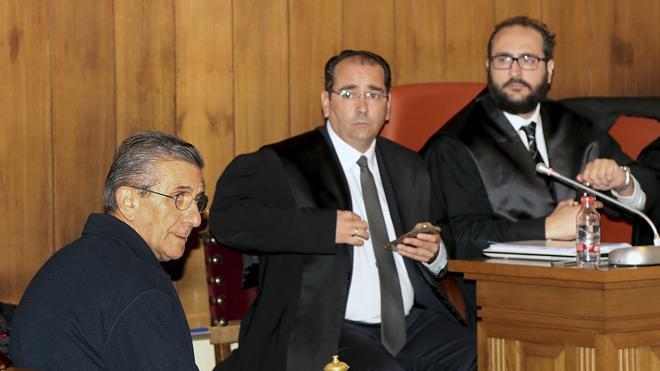 La Fiscalía retira la acusación que había formulado contra el padre Román