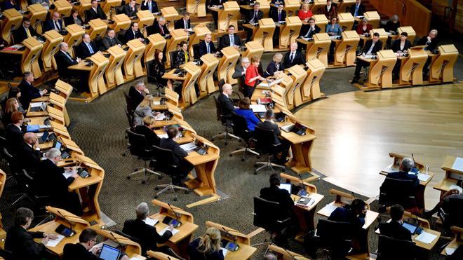 El Parlamento escocés suspende la votación sobre el referéndum tras el ataque