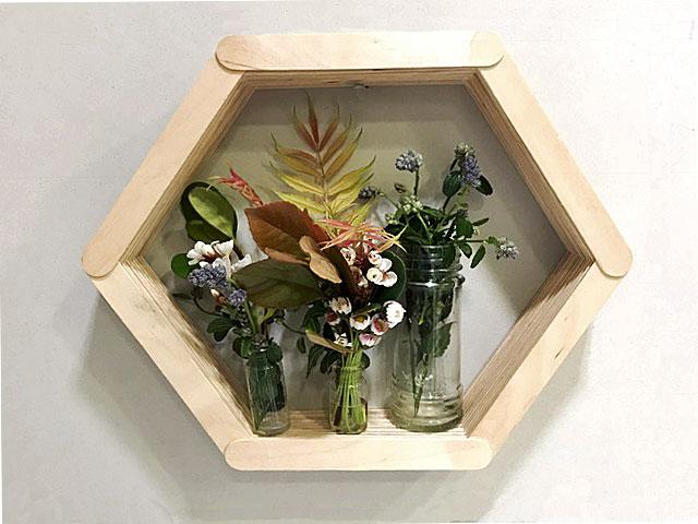 DIY: Un lugar de honor para las flores que te regalan los niños