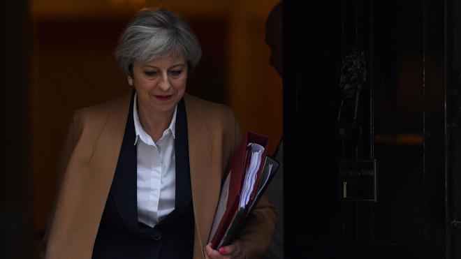 Optimismo y repetición en el anuncio de May al Parlamento británico