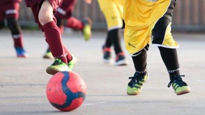 Investigan a un entrenador de fútbol infantil por extorsión sexual a menores