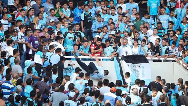 Muere el hincha de Belgrano arrojado desde la tribuna