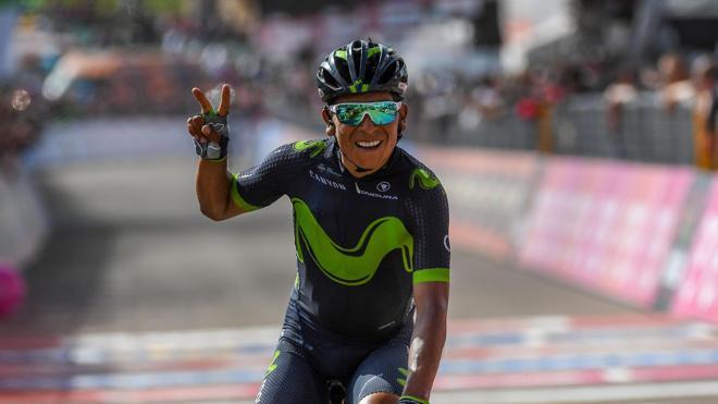 Quintana dedica su triunfo a Scarponi y a «las madres en su día»