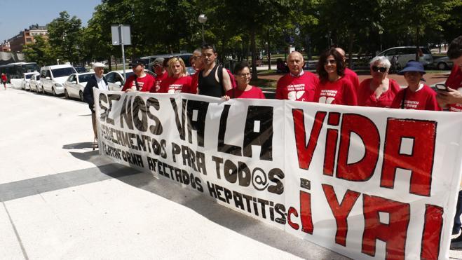 Los expertos proponen 21 medidas para erradicar en cuatro años la hepatitis C en España