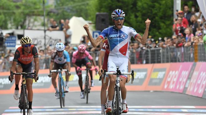 Victoria de Pinot y Quintana saca otros 15 segundos a Dumoulin