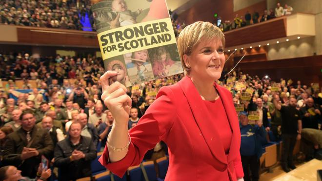 Sturgeon pide un referéndum de independencia para Escocia al final del 'Brexit'