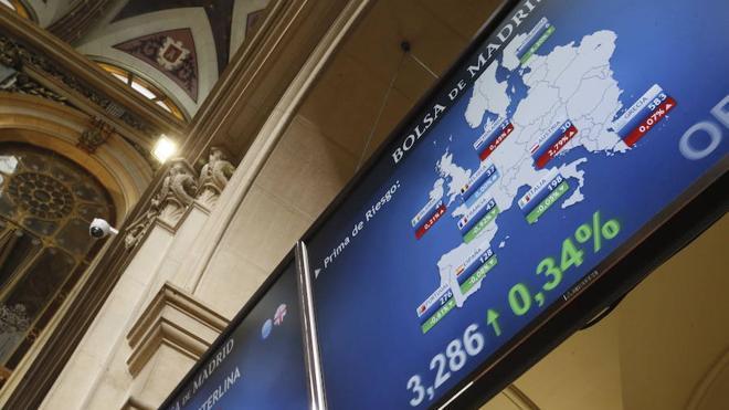 La banca celebra la solución del Popular y el Ibex-35 cierra plano
