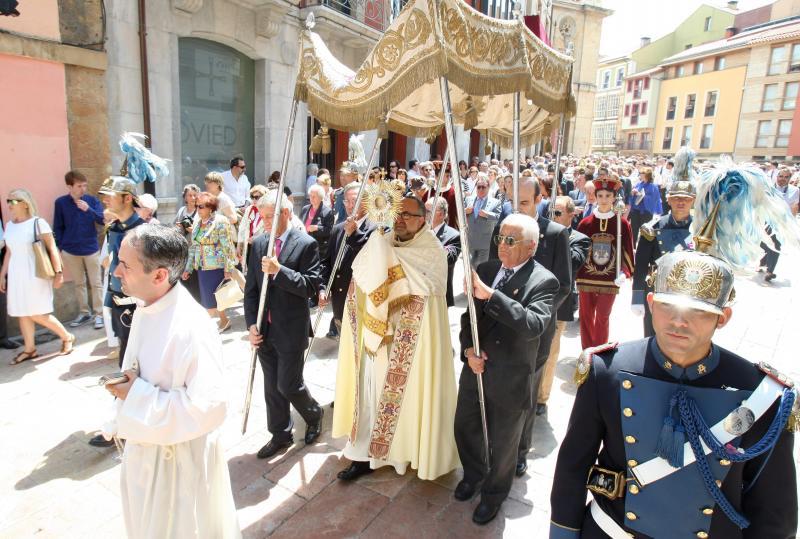 El Arzobispo de Oviedo pide no utilizar la crisis para colocarse medallas o arrancárselas a otros