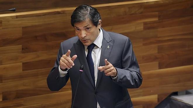 El superávit del Principado provoca un cruce de acusaciones entre Cascos y Javier Fernández