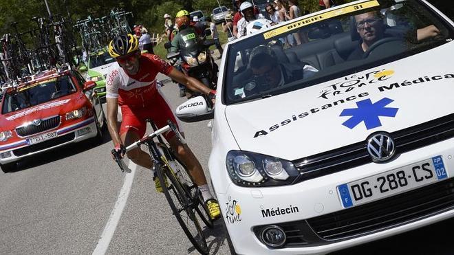 """El asturiano Dani Navarro abandona """"triste"""" el Tour, pero ya piensa en la Vuelta"""