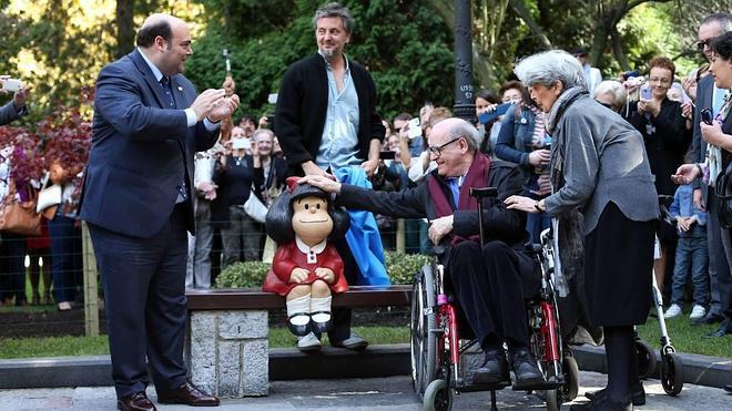 Oviedo rinde homenaje a Mafalda