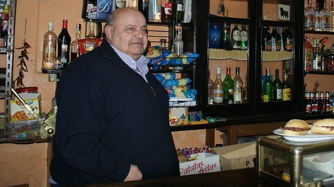 Fallece Juan Luis Martínez, dueño del último chigre-tienda de Villaviciosa