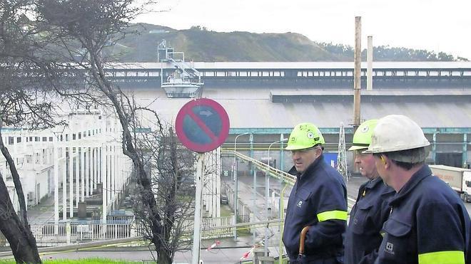 El fracaso de Alcoa en la subasta eléctrica deja a la planta de Avilés «en situación muy difícil»