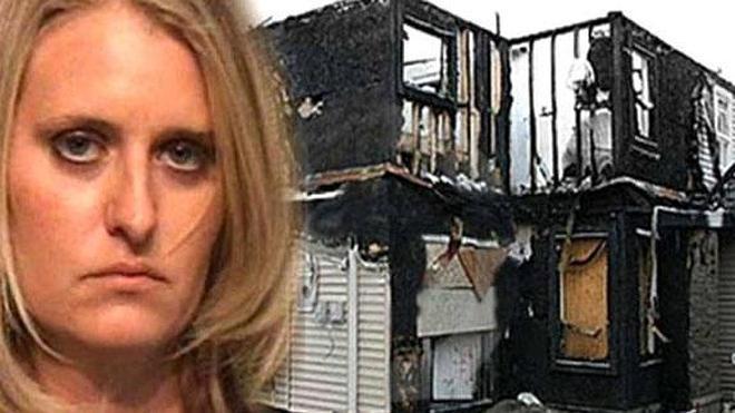 Incendia la casa de una amiga por eliminarla del Facebook