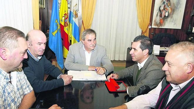 Los municipios de la Montaña Central reducen a la mitad sus cuotas para 2015