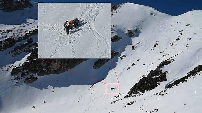 Rescatan en Aller a un hombre que practicaba esquí de travesía