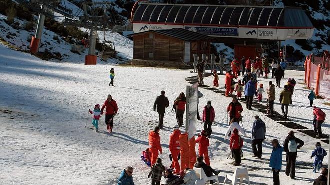 La escasez de nieve reduce en un 60% las reservas hoteleras en Aller