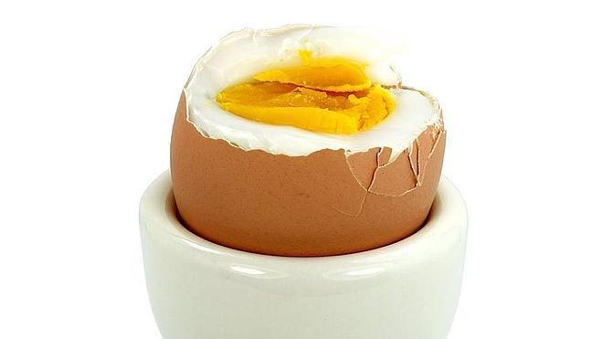 ¿Cómo sabes si un huevo está cocido?