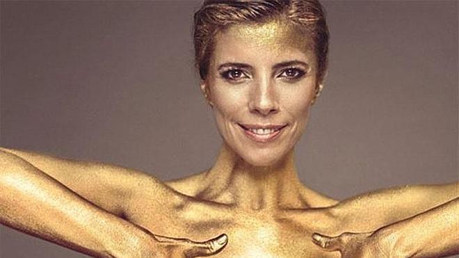Maribel Verdú se desnuda bañada en oro