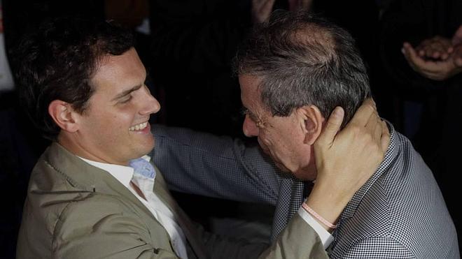 Albert Rivera condiciona su apoyo en Asturias a la firma de un pacto anticorrupción y al abandono de la política de subvenciones