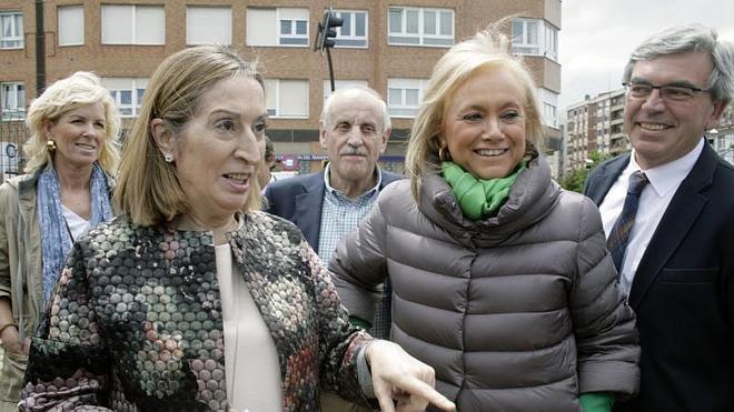 Ana Pastor dice que la Variante de Pajares estará lista este año y recuerda que los imputados de El Musel los nombró el PSOE