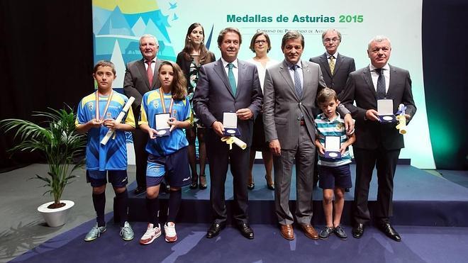 Javier Fernández: «Asturias celebra su día sin alardes, pero también sin complejos»