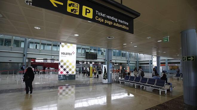 El aeropuerto gana pasajeros por noveno mes y supera ya el millón de usuarios